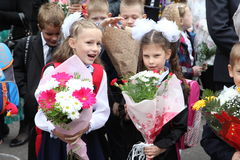kalla först September 1, kunskapsdag i rysk skola Dag av kunskap första skola för dag Fotografering för Bildbyråer