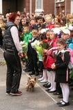 kalla först September 1, kunskapsdag i rysk skola Dag av kunskap första skola för dag Royaltyfria Foton