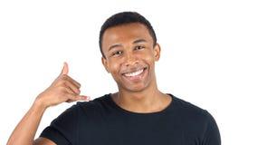 Kalla mig gesten av svarta mannen Arkivfoto