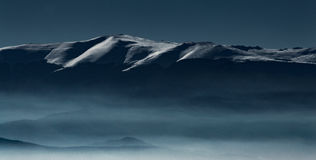 Kalla vinterberg Fotografering för Bildbyråer