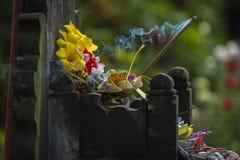Kallade hinduiska Offerings för Balinese Canang Royaltyfri Foto