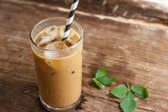 kallt exponeringsglas för kaffe arkivbilder