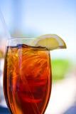 kallt exponeringsglas iced tea Arkivfoto