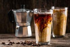 Kallt kaffe med is och kräm royaltyfri fotografi