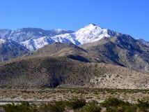 kallt knaprigt berg för luft Arkivfoto