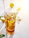 Kallt med is te fotografering för bildbyråer