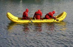 kallt räddningsaktionvatten för fartyg Royaltyfri Foto