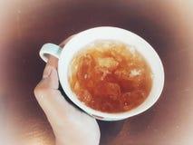 Kallt te i sommar arkivfoton