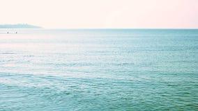 Kalm blauw overzees landschap stock videobeelden