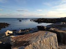 Kalm rustig water at low tide royalty-vrije stock fotografie