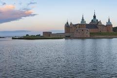 Kalmar-Schloss an der Dämmerung Lizenzfreie Stockfotografie