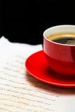 Kalme koffie met document Royalty-vrije Stock Foto's