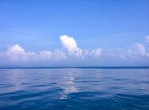 Kalme Overzeese golven in Khanom royalty-vrije stock afbeeldingen