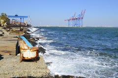 Kalmte op de rand van zeehaven Royalty-vrije Stock Foto