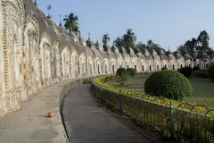 Kalna, Burdwan, India - 18 gennaio 2018: Il tempio di 108 Shiba ha fatto da un re Suo un tempio di teracotta che ha alloggiato Sh immagine stock