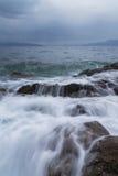 Kalte Meereswellen Stockfoto