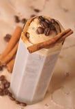 Kalter Eiskaffee mit Schokolade Stockbild