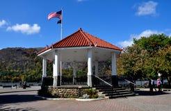 Kalter Frühling, NY: Stadt Pier Bandstand Stockfoto