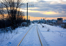 Kalter Sonnenaufgang auf Eisenbahn Lizenzfreies Stockbild