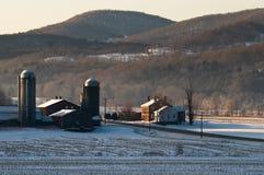Kalter Vermont-Bauernhof lizenzfreie stockbilder