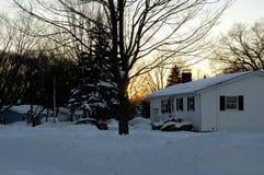 Kalter Winter-Sonnenaufgang Lizenzfreie Stockfotografie