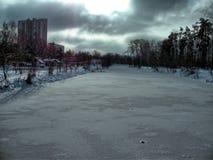 Kalter Winterhimmel Stockbild