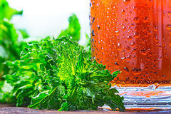 Kaltes Glas gefrorener Tee Lizenzfreies Stockfoto