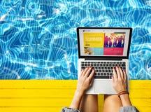 Kaltes Pool-Ferien-Freizeit-Reise-Entspannungs-Konzept stockfotos