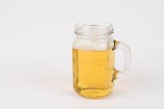 Kaltes schäumendes Bier Stockbilder