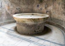 Kaltes Wasserbad im calidarium der Badeanstalt, Scavi-Di Pompeji Lizenzfreie Stockfotografie