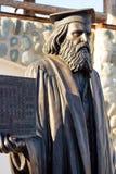 Kaluga region, Ryssland - mars 2019: Monument till den ryska forskaren, kemist, fysiker Dmitri Mendeleev royaltyfri foto