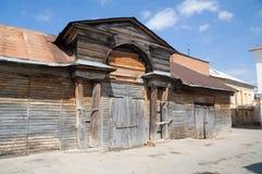 Kaluga träbörja för stall av det 19th århundradet Arkivfoto