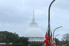 Kaluthara-sthupa in Sri Lanka stockfotografie