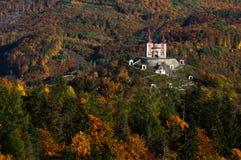 Kalwaryjski pobliski miasto Banskà ¡ Åtiavnica Obraz Royalty Free