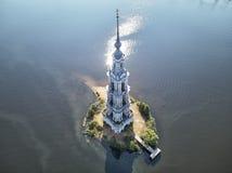 Kalyazinskaya dzwonkowy wierza St Nicholas katedra w wodzie zalewający dzwonkowy wierza Kalyazin, Tver region, Rosja obrazy stock