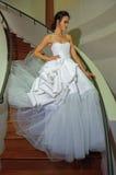 Kalyn Hemphill modelo presenta en la sesión fotográfica nupcial de la colección de Irina Shabayeva SS 2016 Fotografía de archivo libre de regalías