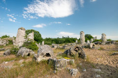 Kamani Pobiti - σχηματισμοί βράχου φαινομένου στη Βουλγαρία κοντά στη Βάρνα Στοκ Εικόνες