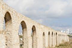 Kamares Aquaduct i Larnaca Cypern Arkivbild