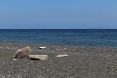 Kamari海滩圣托里尼 免版税库存照片