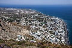 Kamari et aéroport de Mesa Vouno, Santorini Images stock