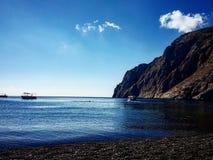 Kamari strand Arkivfoto