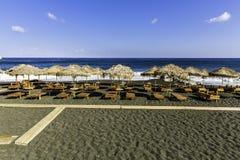 Kamari strand, svart strand, på den Santorini ön Royaltyfria Foton