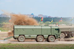 KAMAZ-63968台风装甲的卡车 库存图片