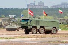 KAMAZ-63968台风装甲的卡车 图库摄影