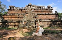 Kambodja. Siem oogst. Angkor Tom. Khmer piramide Royalty-vrije Stock Foto's