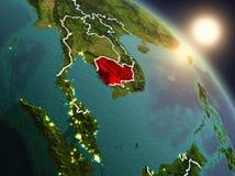 Kambodja van ruimte tijdens zonsopgang Stock Fotografie