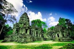 kambodjanen fördärvar tempelet Arkivbilder