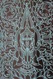 Kambodjansk ironwork och gud i den Pnomh Penh templet Arkivbilder