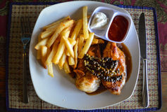 Kambodschanische Art gegrilltes Huhn Stockfotos