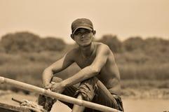 Kambodschanische Leute leben neben Tonle Sap See Lizenzfreie Stockbilder
